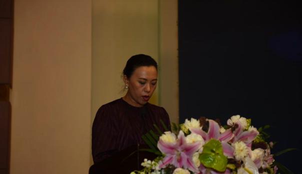 肖洪作《关于调整沈阳市房地产业协会会费缴纳标准及管理办法》报告