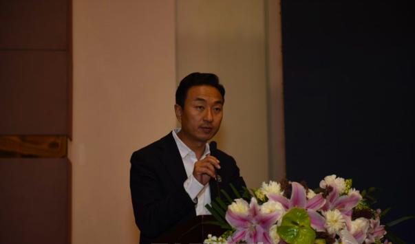 杜宏鹏代表市房协发起《房地产行业积极参与扶贫攻坚行动的倡议》