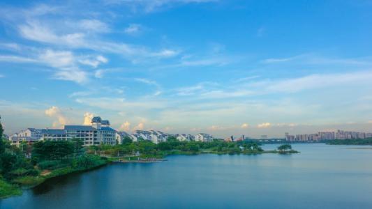 松山湖.jpg